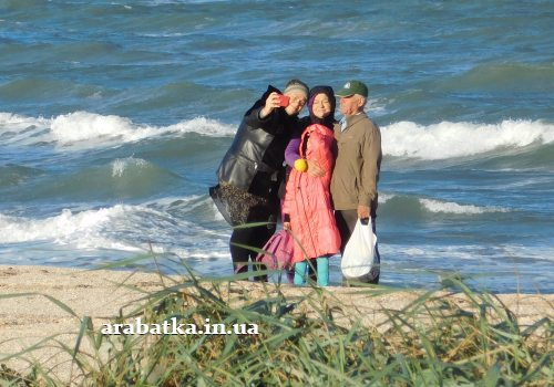 Посещение источника и рядом расположенного берега Азовского моря это событие для людей