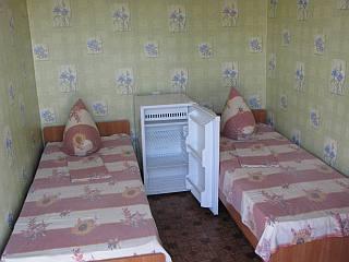 Простые бюджетные номера для отдыха в Солнечном на Генгорке